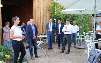 Verkehrsminister Winfried Hermann zu Besuch auf dem HOF8